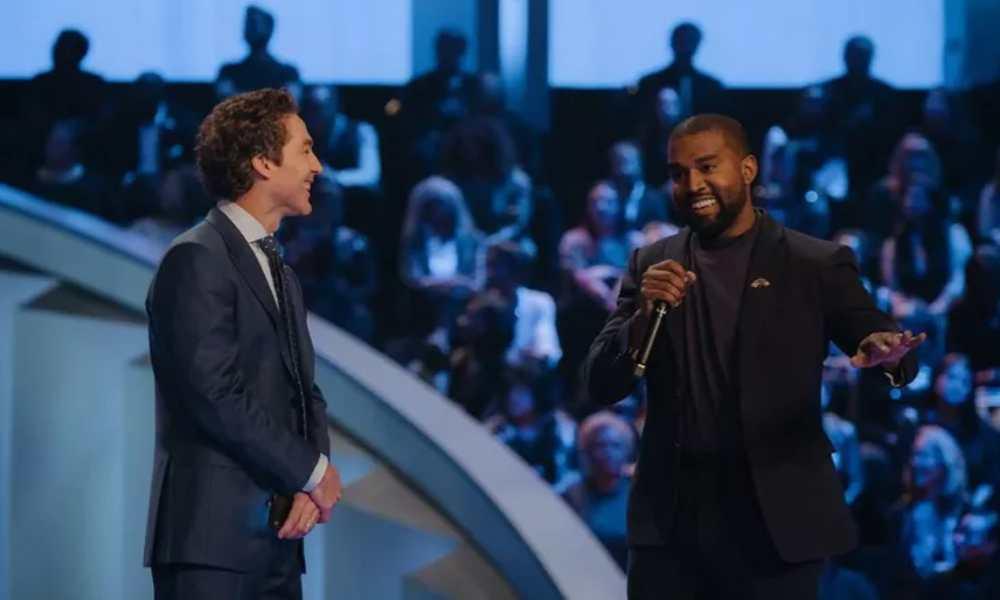 Kanye West presenta su nuevo álbum en la iglesia y el pastor lo bendice