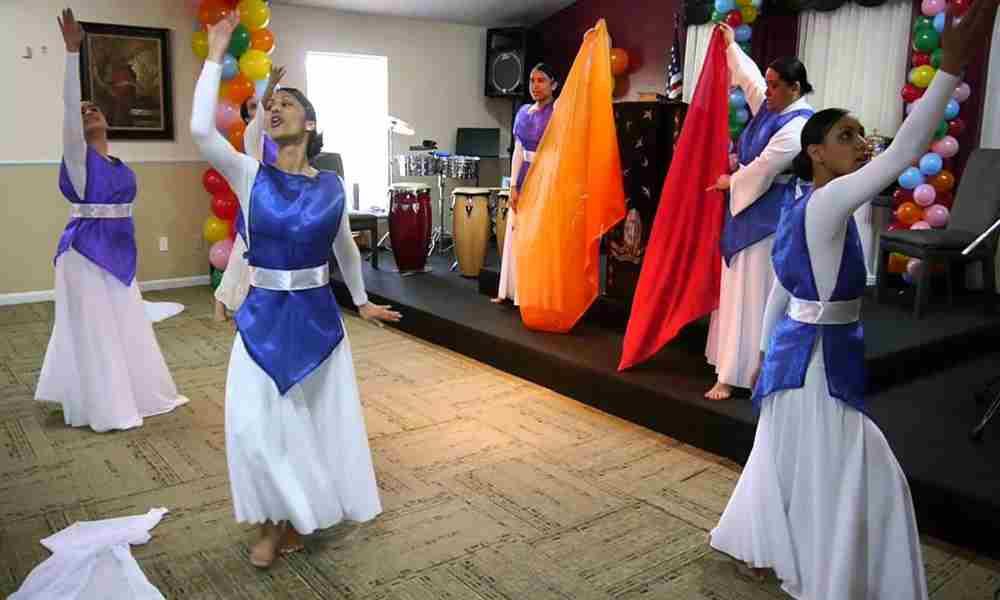 """Predicadora: """"Hay iglesias que no permiten la danza en el espíritu"""""""