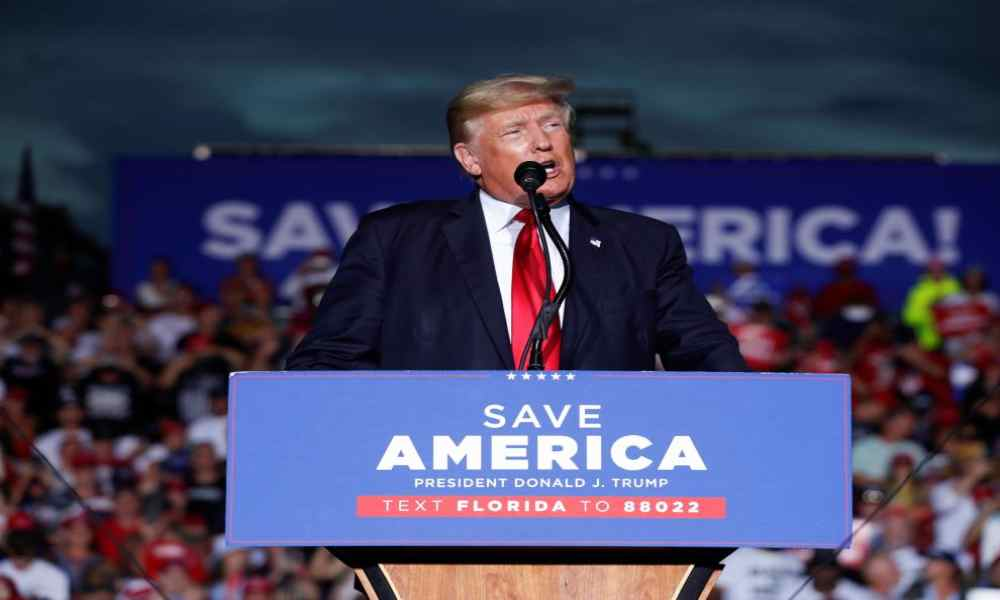 """Salvaremos a Estados Unidos"", dice Trump a seguidores en Florida"