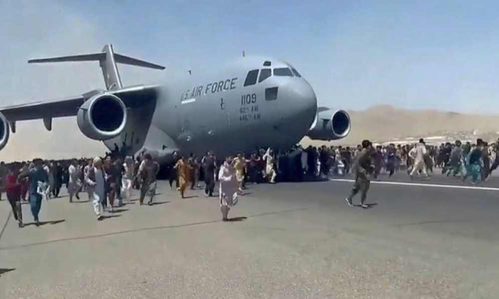 Afganistán: EEUU se retira y cristianos dicen: «Oramos para que el Señor ponga ángeles alrededor de nuestras casas»