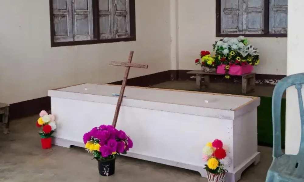 Aldeanos de Laos prohíben enterrar a una mujer por ser cristiana