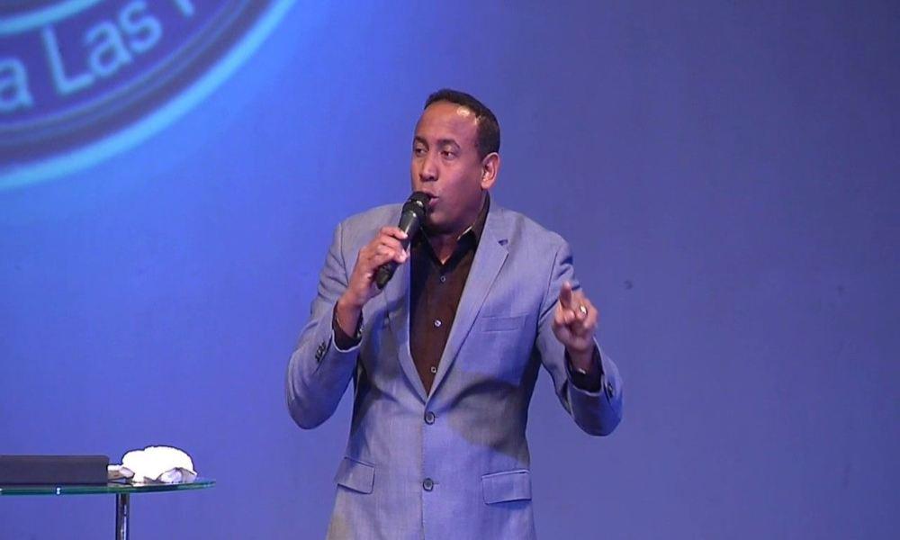 El pastor Harrigan describe cómo podemos pasar de la tribulación a la bendición