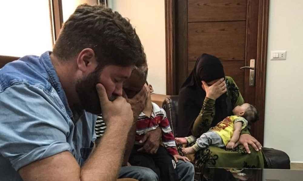 Familia abandona el islam para rendirse a los pies del Señor
