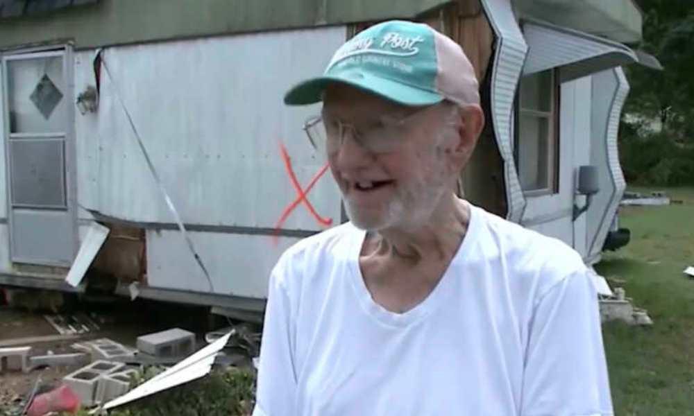 Hombre de 90 años asegura que Dios lo salvó de las inundaciones en Tennessee