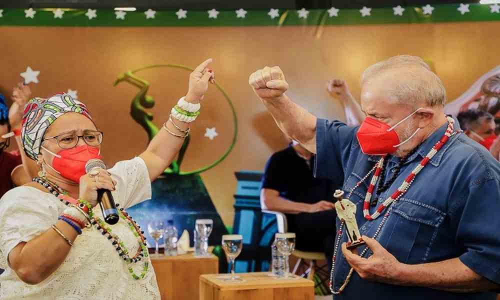 Lula da Silva participa en un encuentro religioso con santeros