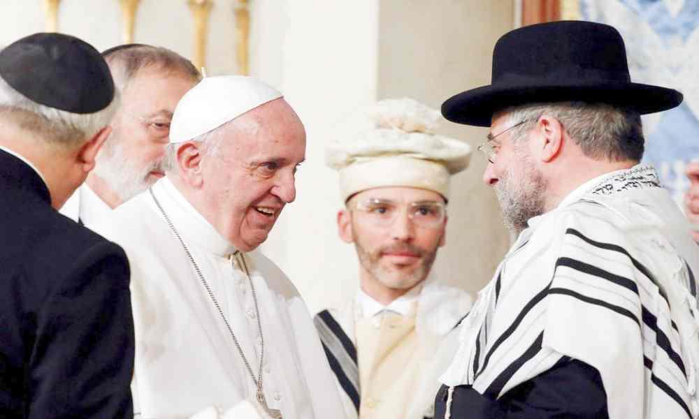 Rabinos critican al Papa Francisco por afirmar que la Biblia es obsoleta