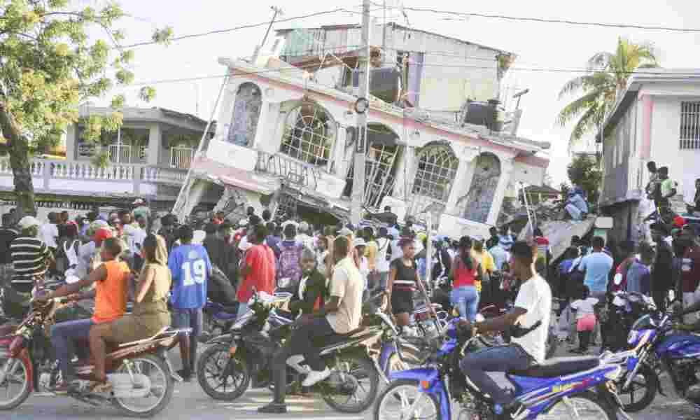 'Solo tenemos a Jesús ahora': número de muertos por terremoto en Haití aumenta a 1.297