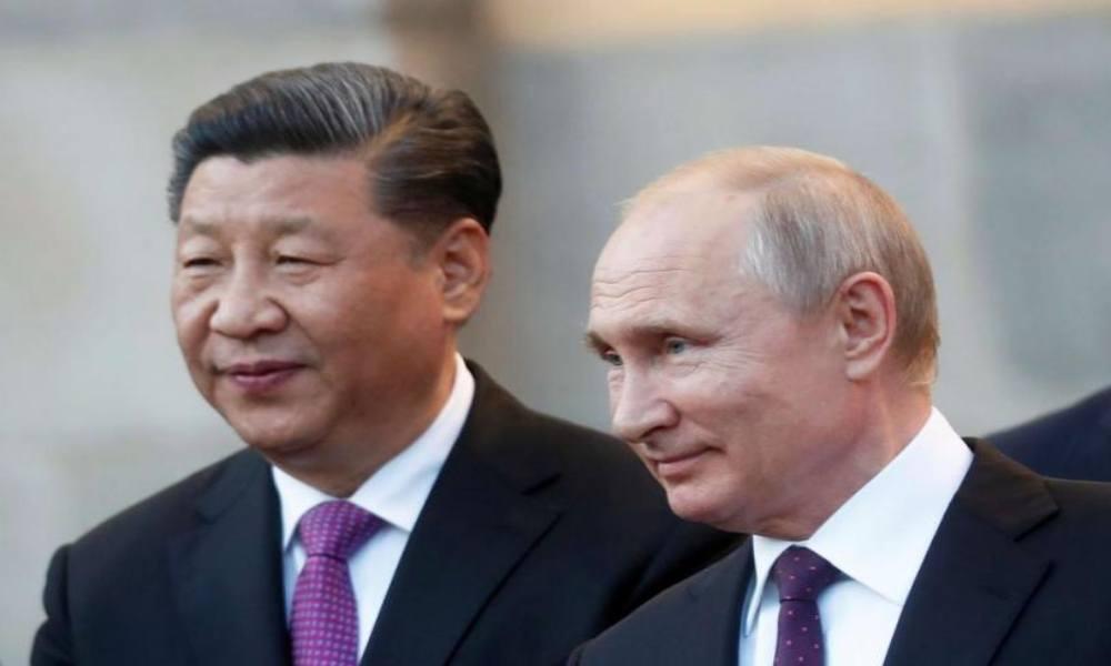 Xi Jinping, junto a Putin, le pide a los talibanes crear una política más abierta
