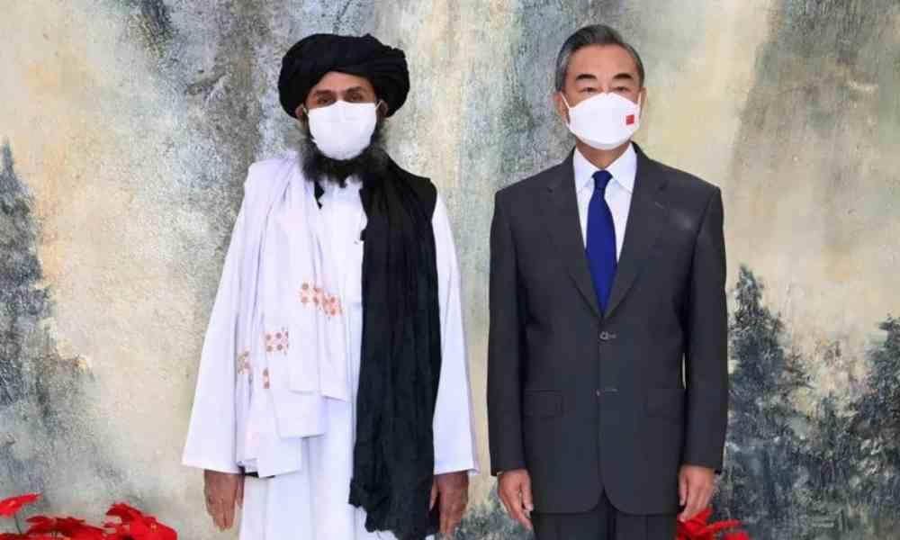China establece relaciones con Afganistán y muestra apoyo a talibanes