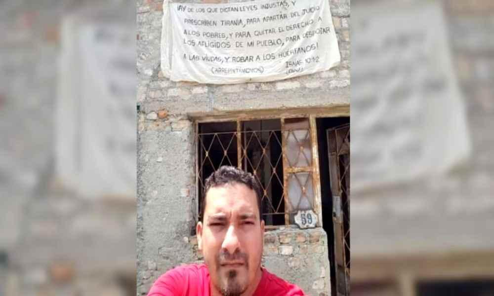 Cristiano interrogado por régimen cubano por colgar texto bíblico en su casa
