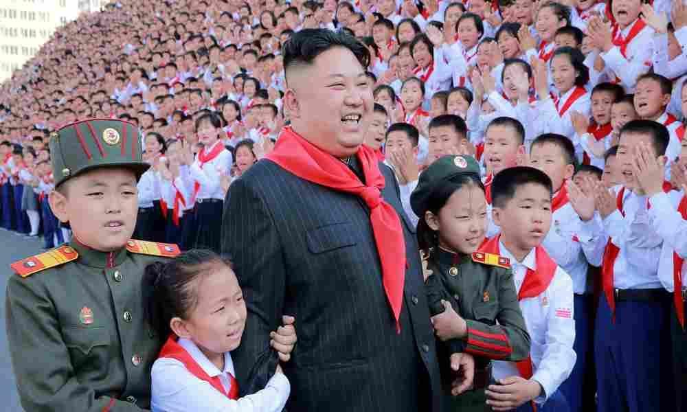 Corea del Norte: «Se enseña a los niños a orar a Kim y se cambia la Biblia»