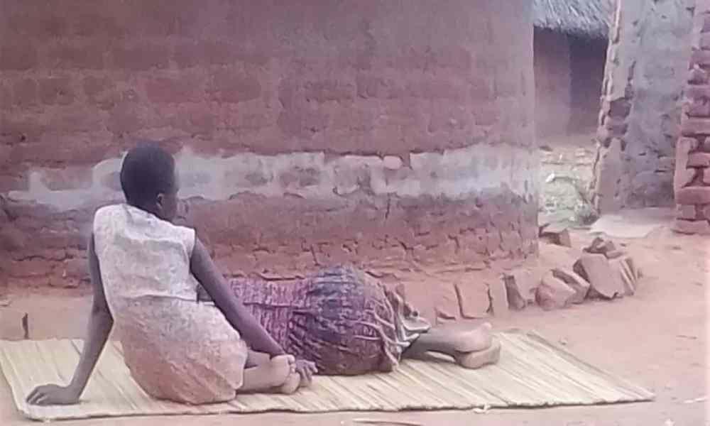 Mujer apuñalada por su hermano por dejar islam y convertirse en cristiana