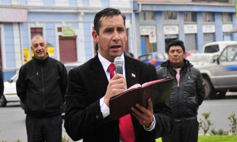 Pastor Soto: 'La Biblia dice que las personas homosexuales son inmundas'