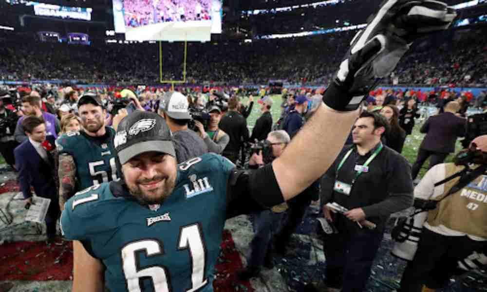 Jugador de la NFL deja el deporte para convertirse en pastor