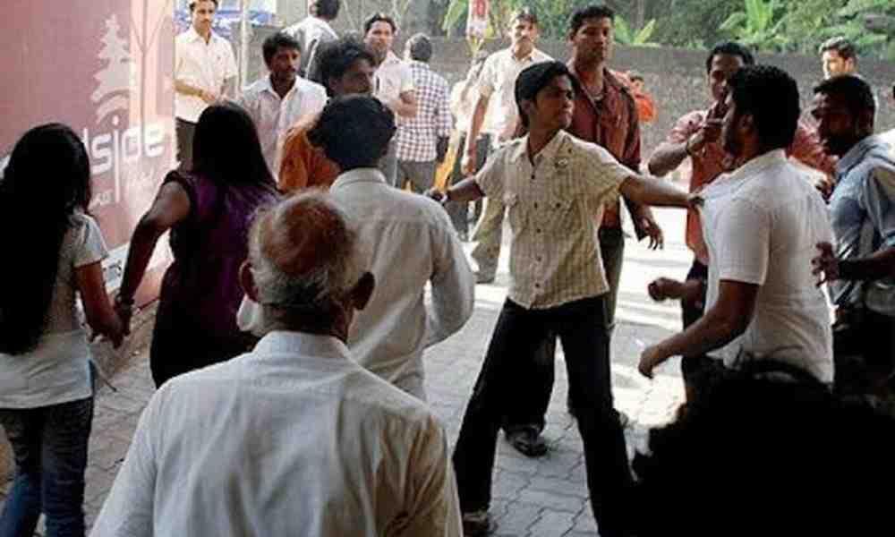 Centenares de personas atacan a un pastor y a su familia en India