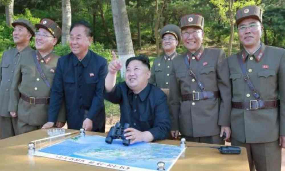 Corea del Norte realiza prueba de misiles de largo alcance