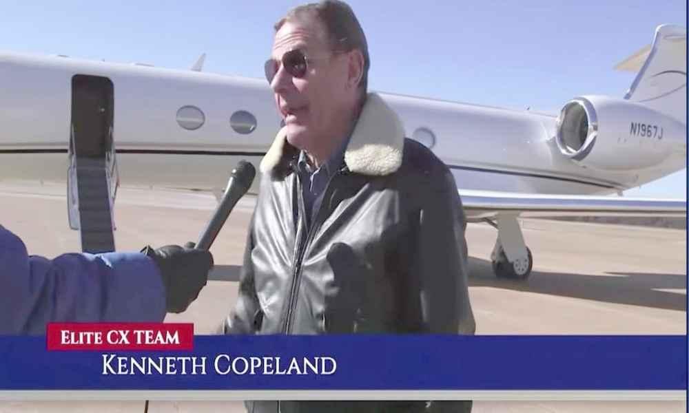 Televangelista Kenneth Copeland prestó su jet privado para ayudar a cristianos afganos
