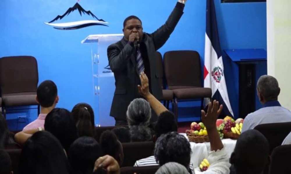 Pastor Drullard asegura que Dios solo bendice a quienes caminan con integridad